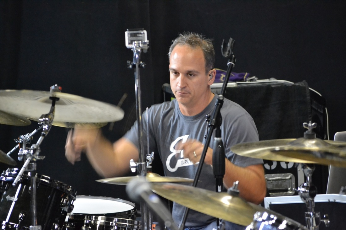 kenny chesney drummer